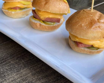 Mini burger au baloney - Bologna sliders