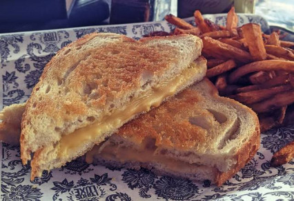 Grilled Cheese Végan - Vegan Grilled Cheese (V)