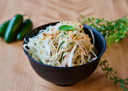 Salade de chou et papaye verte / Cabbage and green papaya salad