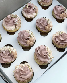 #308 DUSTY ROSE CUPCAKES